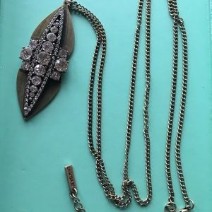 Jewelmint ornate pendant necklace